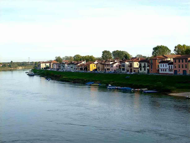 Un antico borgo sul fiume azzurro: gita a Pavia tra storie di un ...