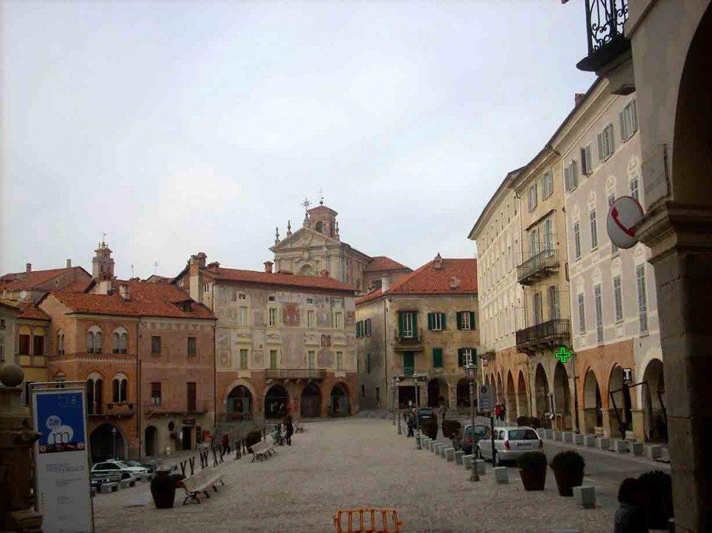 Gita sul meridiano e a tavola col fante sabaudo: una giornata a Mondovì