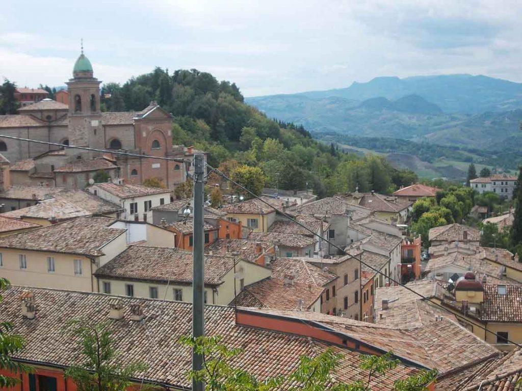 Chiare, fresche acque salate a Verucchio: gita sulle orme di San Francesco nell'entroterra di Rimini